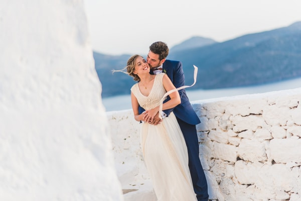 romantic-wedding-in-milos-60