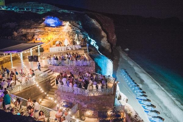 romantic-wedding-in-milos-61