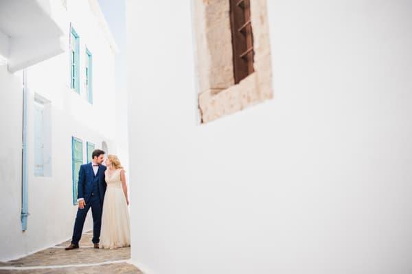 romantic-wedding-in-milos-69