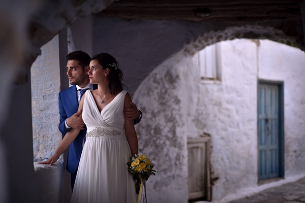 rustic-wedding-with-yellow-colors-in-amorgos-3