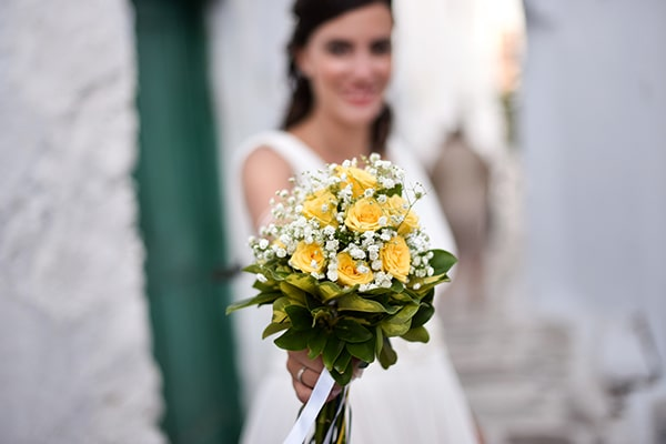 rustic-wedding-with-yellow-colors-in-amorgos-4
