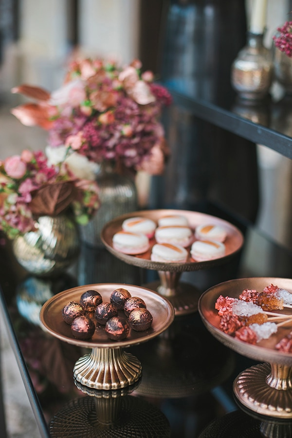 rose-gold-grey-wedding-decoration-ideas (10)