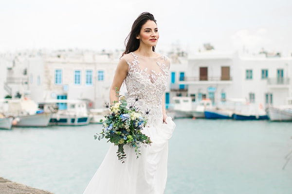 White and blue wedding inspiration in Antiparos