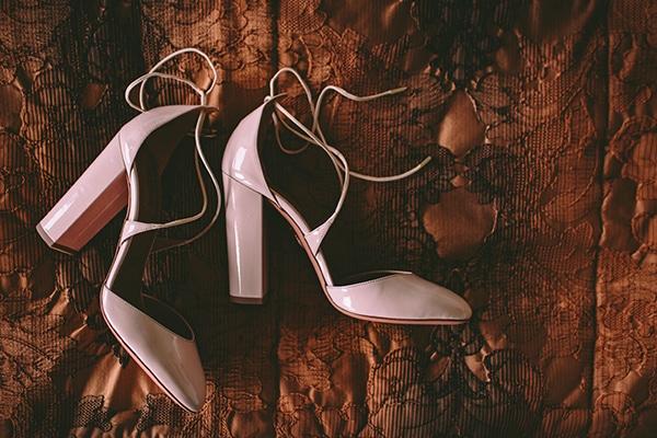 παπουτσια-πολιτικο-γαμο