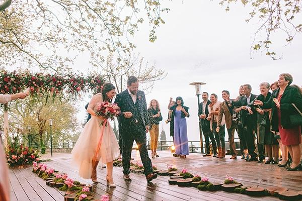 πολιτικος-γαμος-με-βροχη