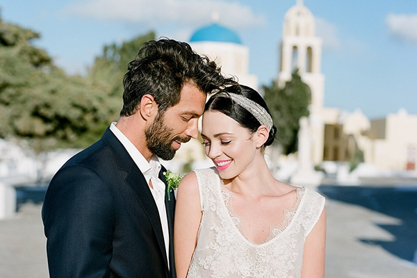 Gorgeous gold and pale pink wedding inspiration in Santorini