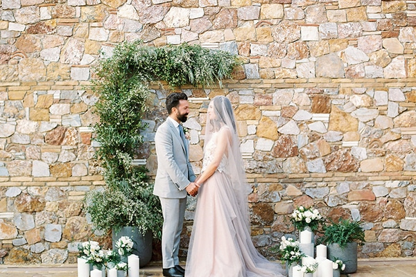 Moody & romantic styled shoot in Athens