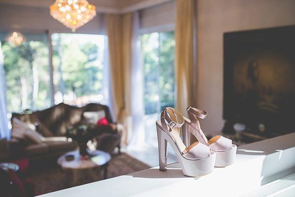 Νυφικα παπουτσια σε λευκο χρωμα