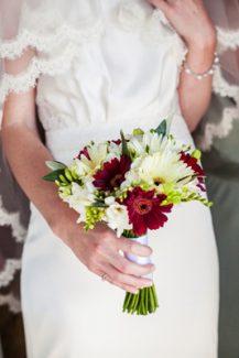 Νυφική ανθοδέσμη για ρουστικ γάμο