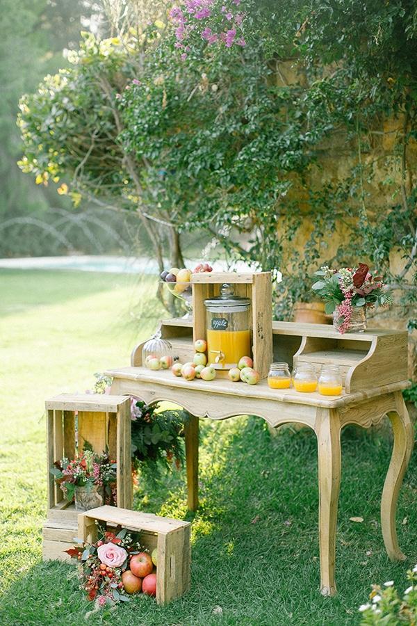 Apple cider stand