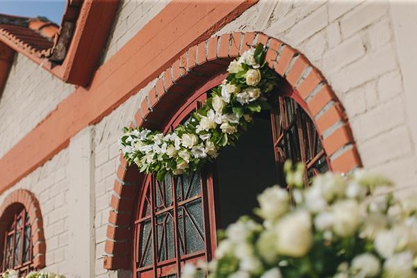 Στολισμος εισοδου εκκλησιας