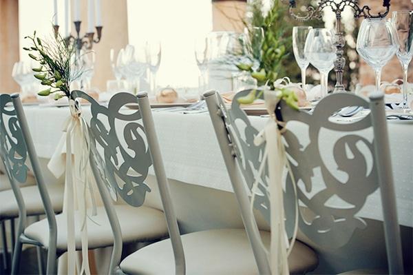 Διακοσμηση σε καρεκλες για γαμο