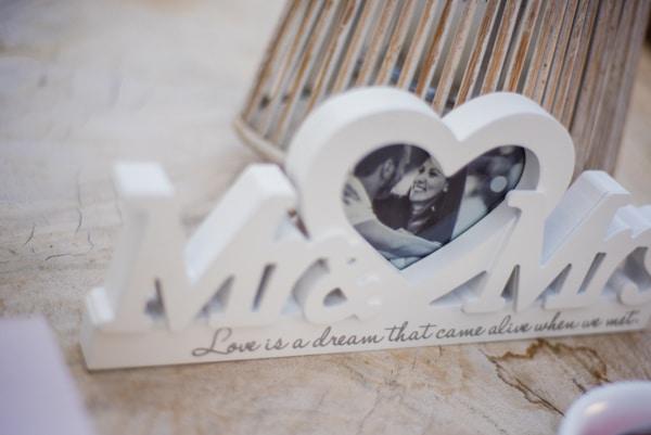 Διακοσμηση γαμου με φωτογραφια ζευγαριου