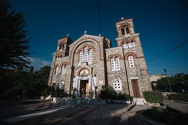 Εκκλησια για γαμο στο Αιγιο