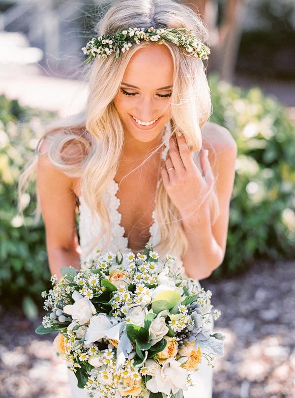 Φυσικο στεφανι νυφης με λουλουδια