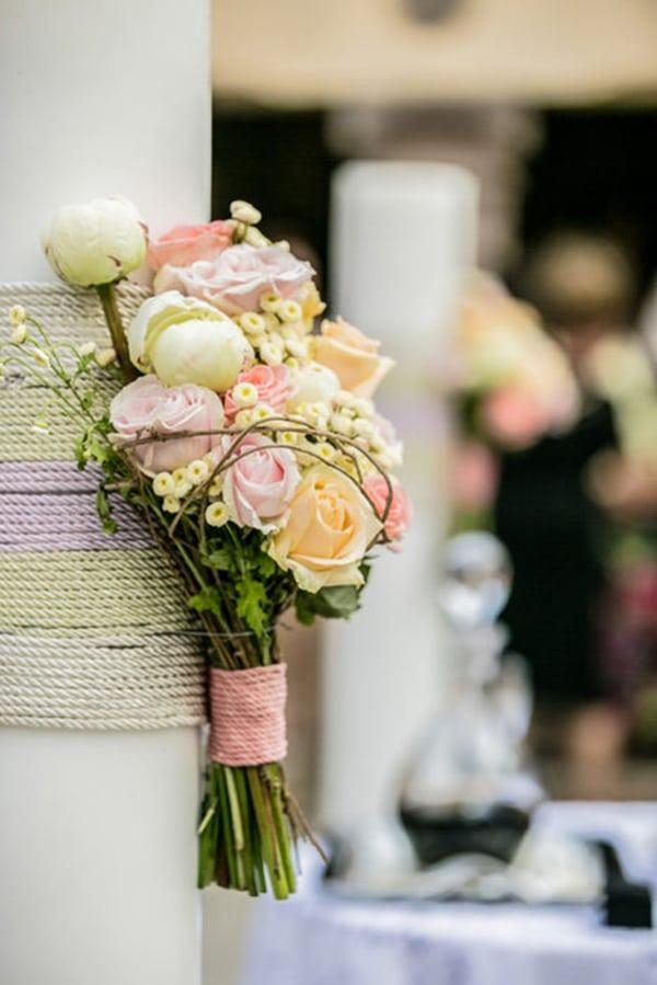 Διακοσμηση λαμπαδας με τριανταφυλλα