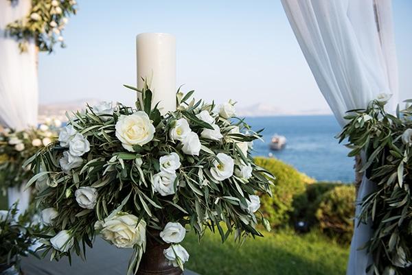 Στολισμος λαμπαδας γαμου με ελια, λυσιανθο και τριανταφυλλα
