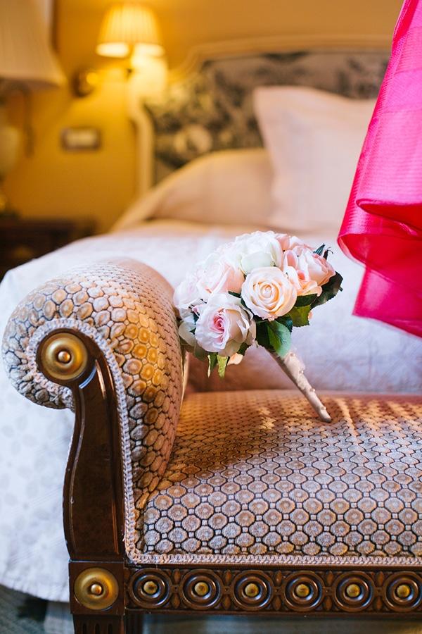 Ανθοδεσμη γαμου με τριανταφυλλα