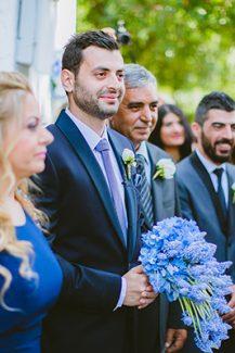 Μπλε νυφική ανθοδέσμη με μπλε ορτανσίες