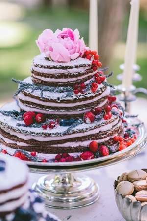 Naked cakes for wedding cakes