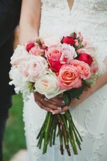 Νυφικό μπουκέτο με τριαντάφυλλα