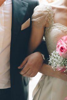 Μπουκέτο γάμου με τριαντάφυλλα