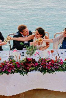 Ανθοστολισμος δεξιωσης γαμου