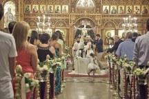 Ομορφος minimal ανθοστολισμος εκκλησιας