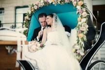 Μεταφορα της νυφης στην εκκλησια με αμαξα