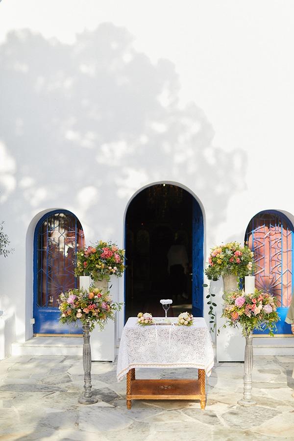 Πολυχρωμη διακοσμηση εκκλησιας