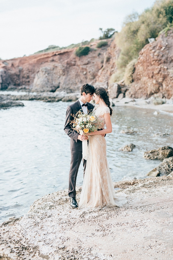 gorgeous-styled-shoot-with-gold-details-1
