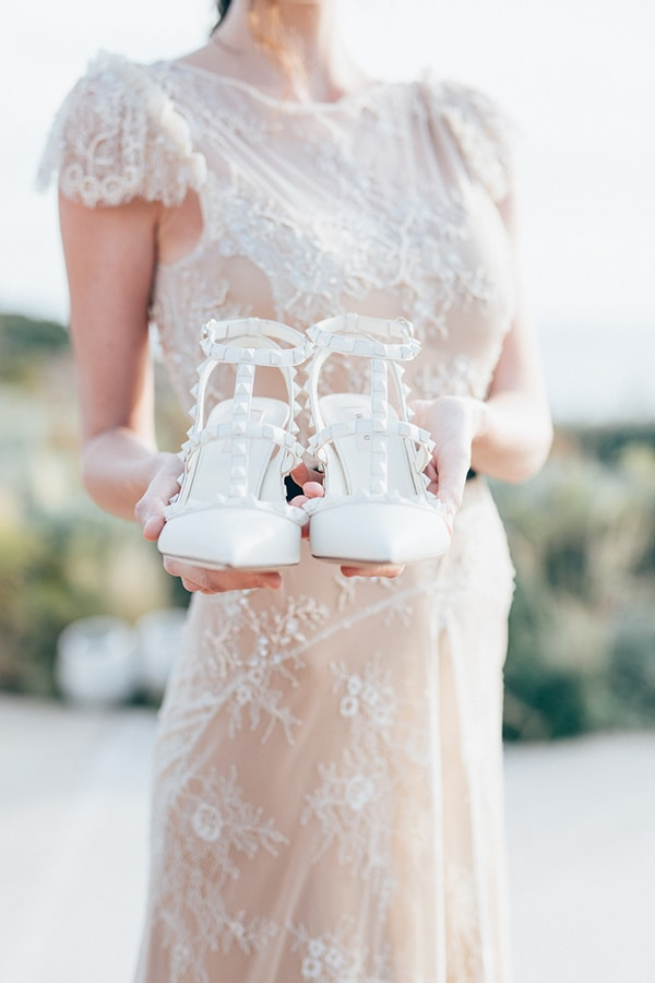 gorgeous-styled-shoot-with-gold-details-3