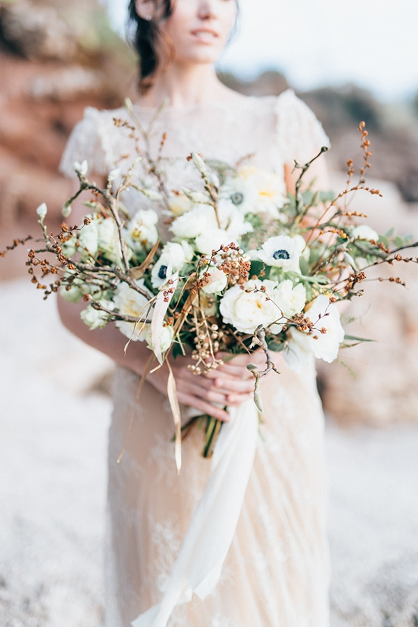 gorgeous-styled-shoot-with-gold-details-6