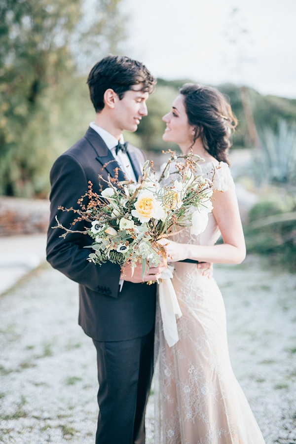 gorgeous-styled-shoot-with-gold-details-7x