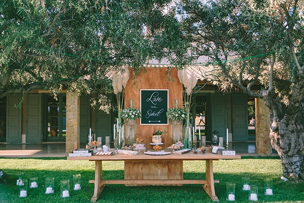 organic-wedding-with-rustic-details-25x