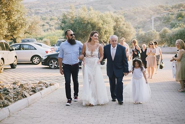 romantic-wedding-natural-colours-24