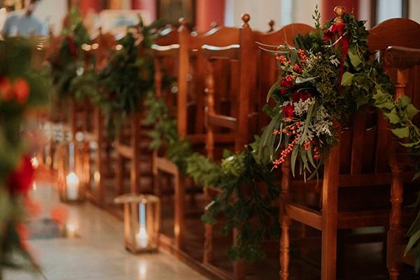 Χριστουγεννιατικος στολισμος εκκλησιας