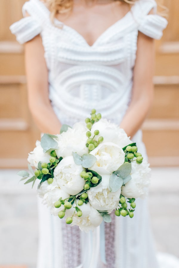 beautiful-bridal-bouquets-with-peonies-1.