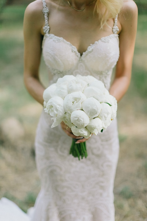 beautiful-bridal-bouquets-with-peonies-3.