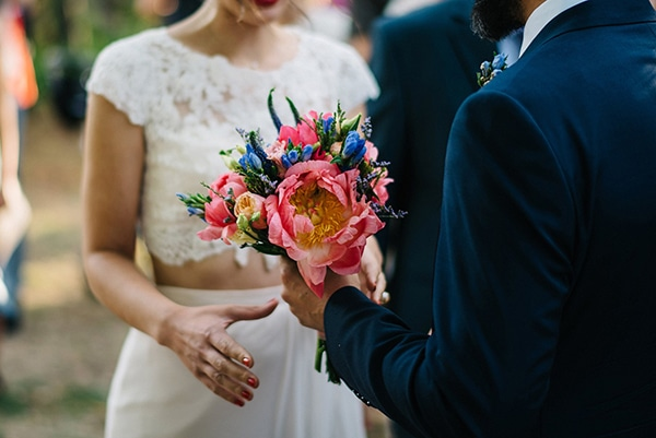 beautiful-bridal-bouquets-with-peonies-4.