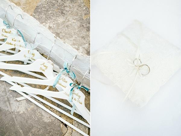 Κρεμαστρες για το φορεματα των παρανυμφων