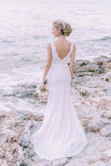 Ρομαντικο νυφικο φορεμα σε στενη γραμμη