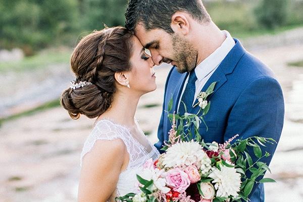 Ρουστίκ γάμος με ροζ και μπορντό αποχρώσεις | Ναταλία και Γιώργος