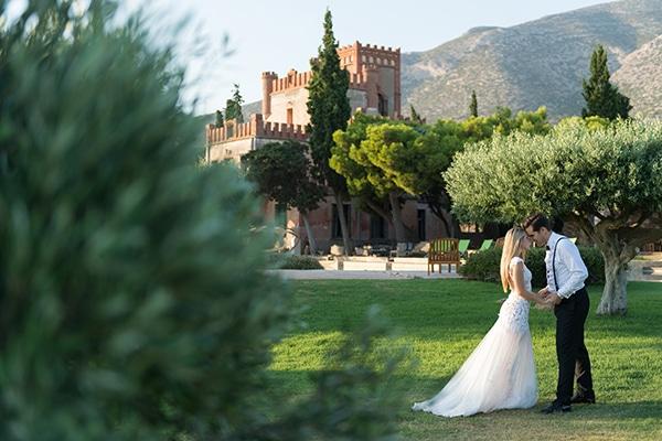 Όμορφος γάμος σε λευκές και ροδακινί αποχρώσεις | Ελένη & Ηλίας