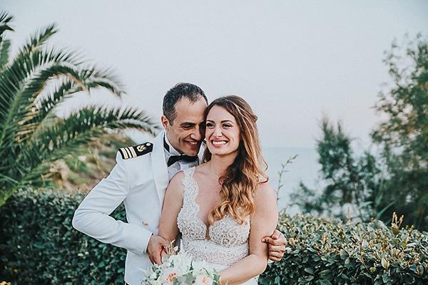 Στρατιωτικός γάμος σε ροδακινί αποχρώσεις | Γεωργία & Γιάννης