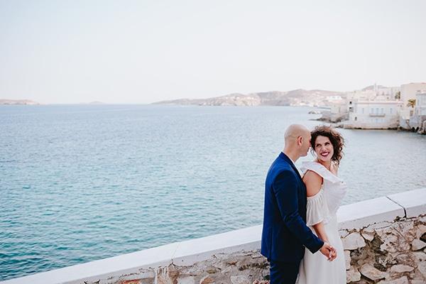 Simple chic γαμος σε μπλε λευκες και μωβ αποχρωσεις | Λιζα & Σακης