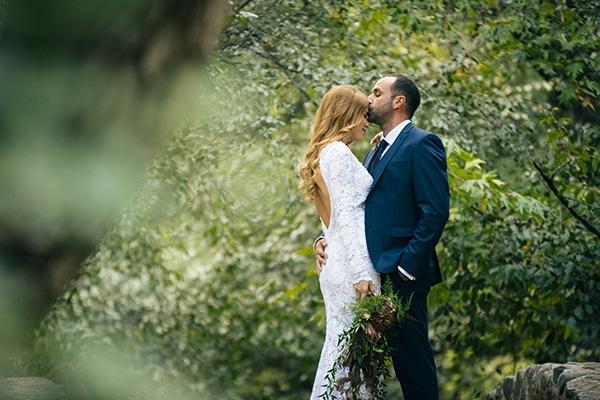 Φθινοπωρινός γάμος με κόκκινες και πράσινες αποχρώσεις | Μύρια & Ανδρέας