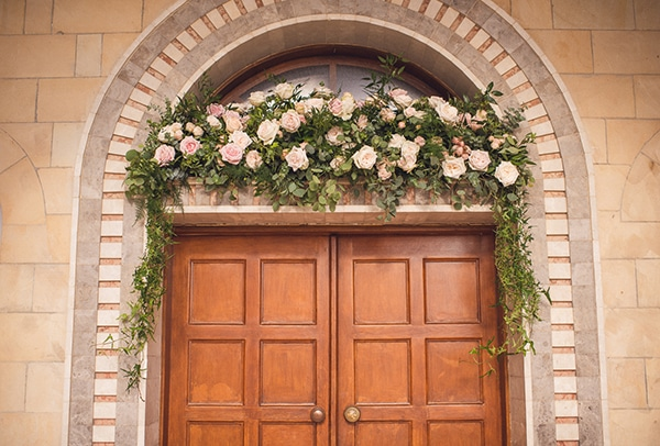 fantastic-ideas-church-entrance-decoration-3.