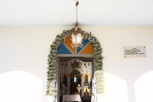 fantastic-ideas-church-entrance-decoration-5.