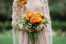 Νυφικη ανθοδεσμη σε πορτοκαλι χρωμα